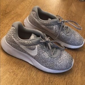 Nike Tennis Shoes - light gray and white- Size 8.5